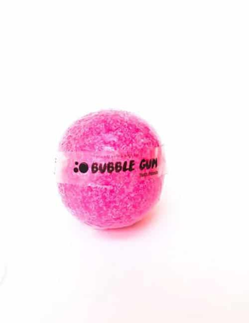 Bubble gum bathbomb