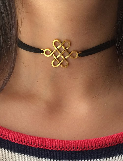 Gold flower choker