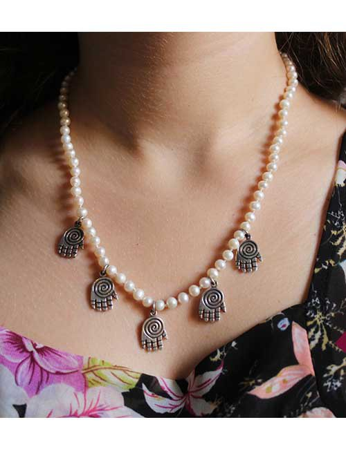 """ Kaf"" pearl necklace"