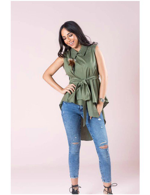 Poplin fabric high low top with feather accessory