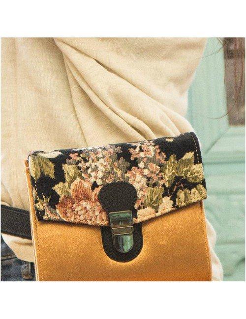 GOLDEN VELVET BAG WITH FLOWERY
