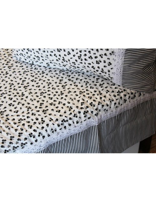 Black and white BED SHEET