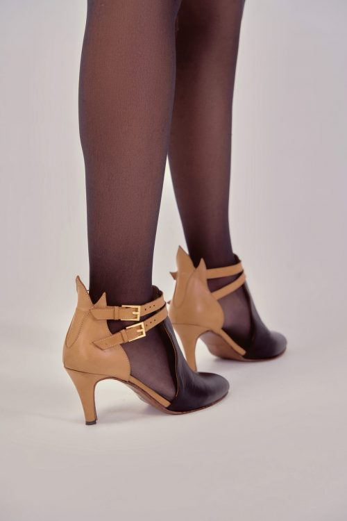 CLEO STRAP ANKLE BOOTS BLACK X BEIGE