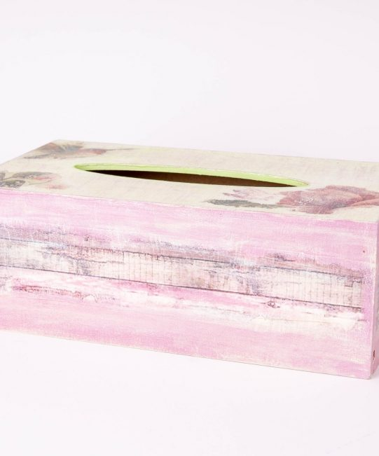 Wooden tissue box By Dalia ragga
