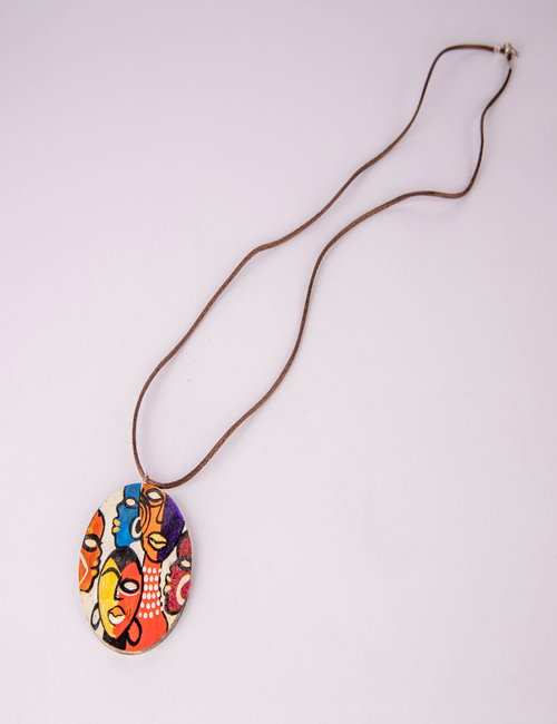 Neck chain made of thread and wood By Fatma Soliman Ahmed